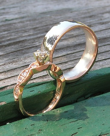 Custom Red Gold Wedding Rings