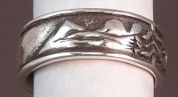 Saddle Mt. on Story Wedding Ring