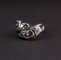 Photo of Lovebirds selfsizer Sterling Potlatch Ring Eagle side view