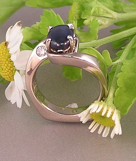 Midnight blue Star Sapphire White Gold Ring