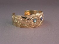 Hand carved 19 KT gold Hummingbird bracelet by Owen Walker