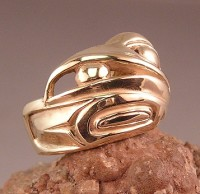 Raven ring in 14K yellow gold