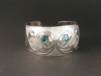 Eagle design hand carved sterling silver bracelet