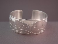 Hand carved sterling silver Lovebirds bracelet D65 $400.00