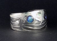 Photo of Hand Carved Sterling Frog Bracelet D14 with Abalone eyes by Owen Walker